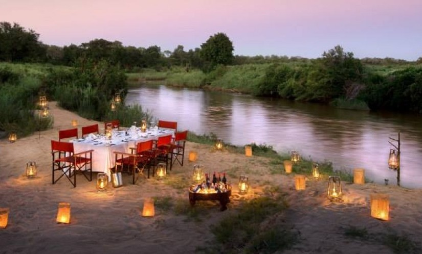 Robert Marks_Where to Stay on Safari_Candlelit Dinner