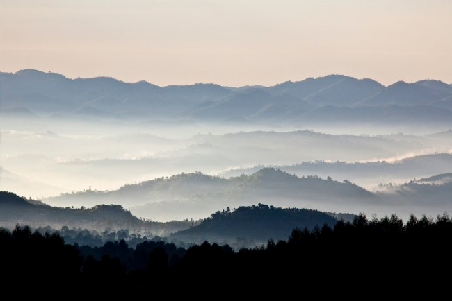 Rwanda Land of a Thousand Hills - iStock - Guenterguni.jpg