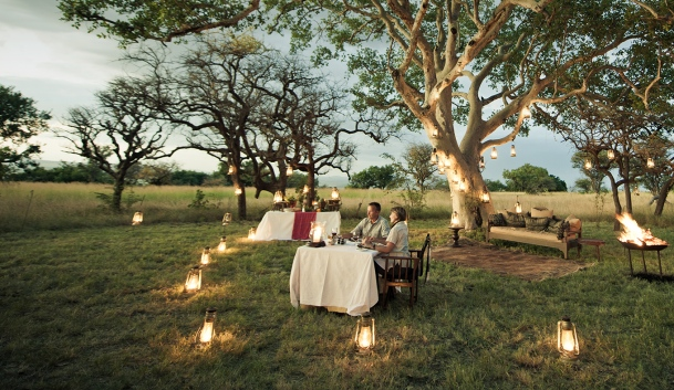 Singita-Sasakwa-Lodge-Evening-Dinner.jpg