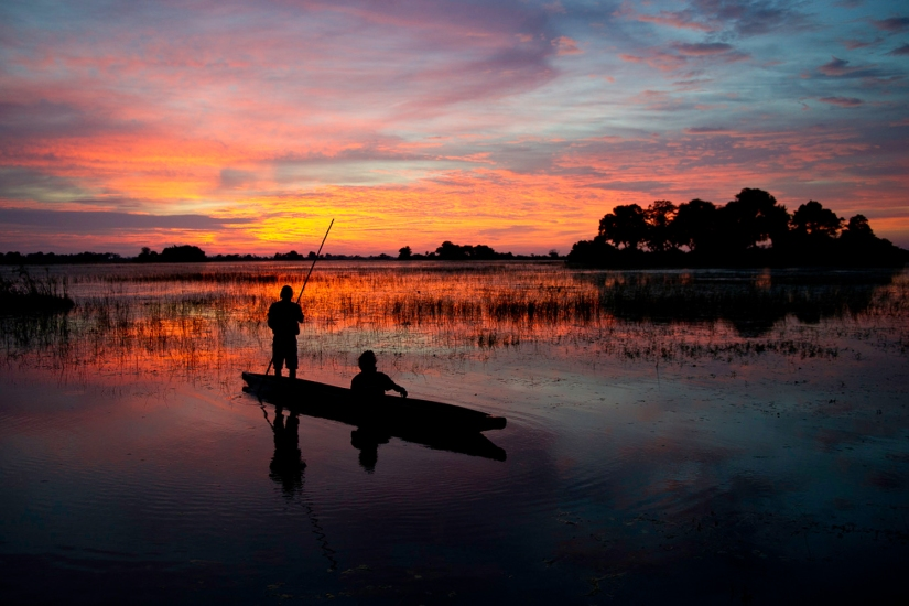 Robert Mark Safaris - Mokoro Canoe Trips in Botswana - Sunset