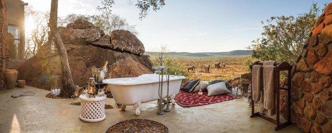 Robert Mark Safaris_Madikwe Suite Honeymoon Suite Bathroom